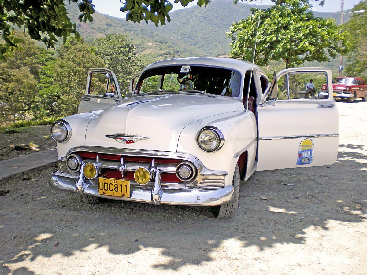Cuba-Antique-Car