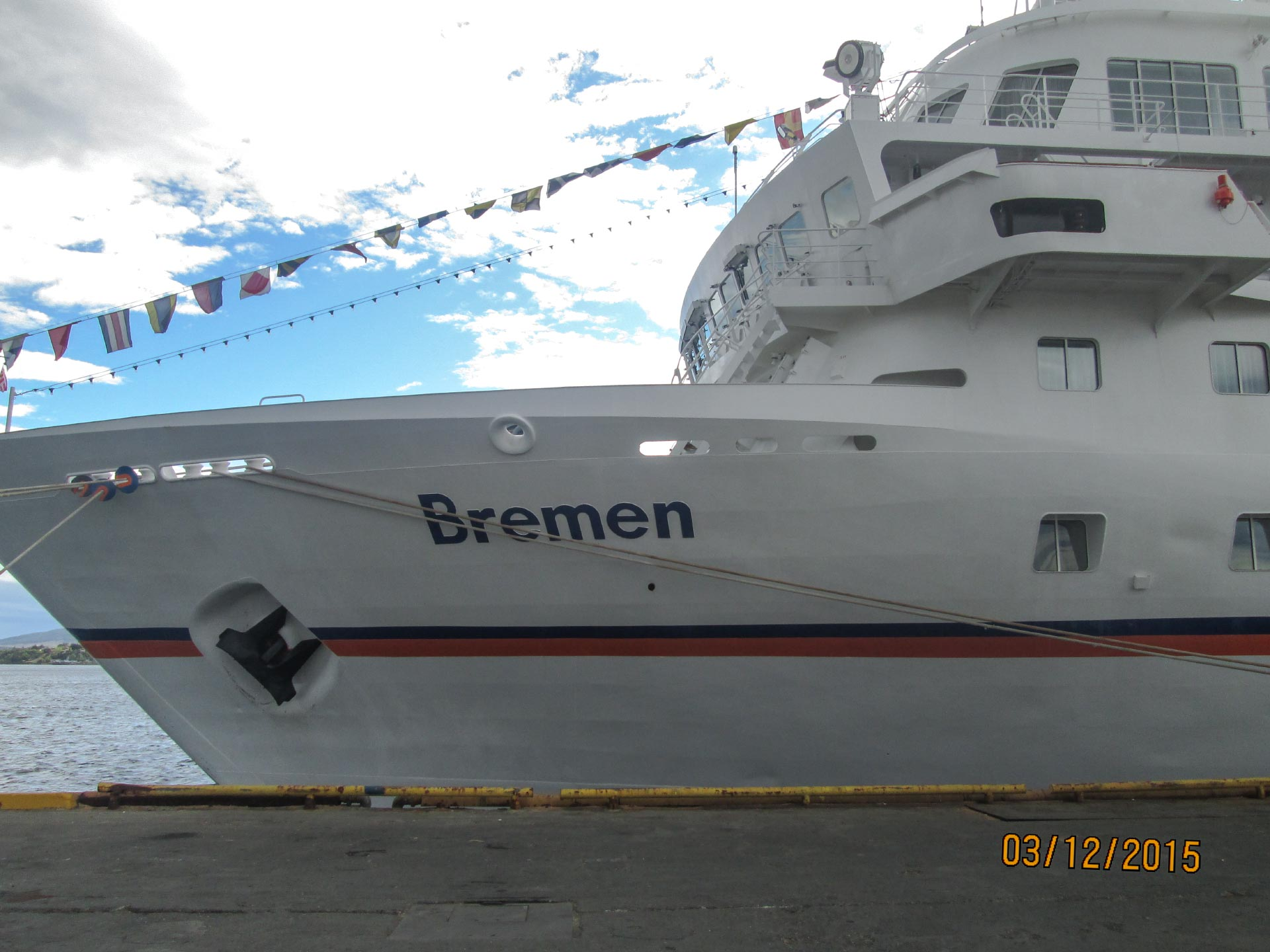Die Bremen im Hafen von Puntarenas