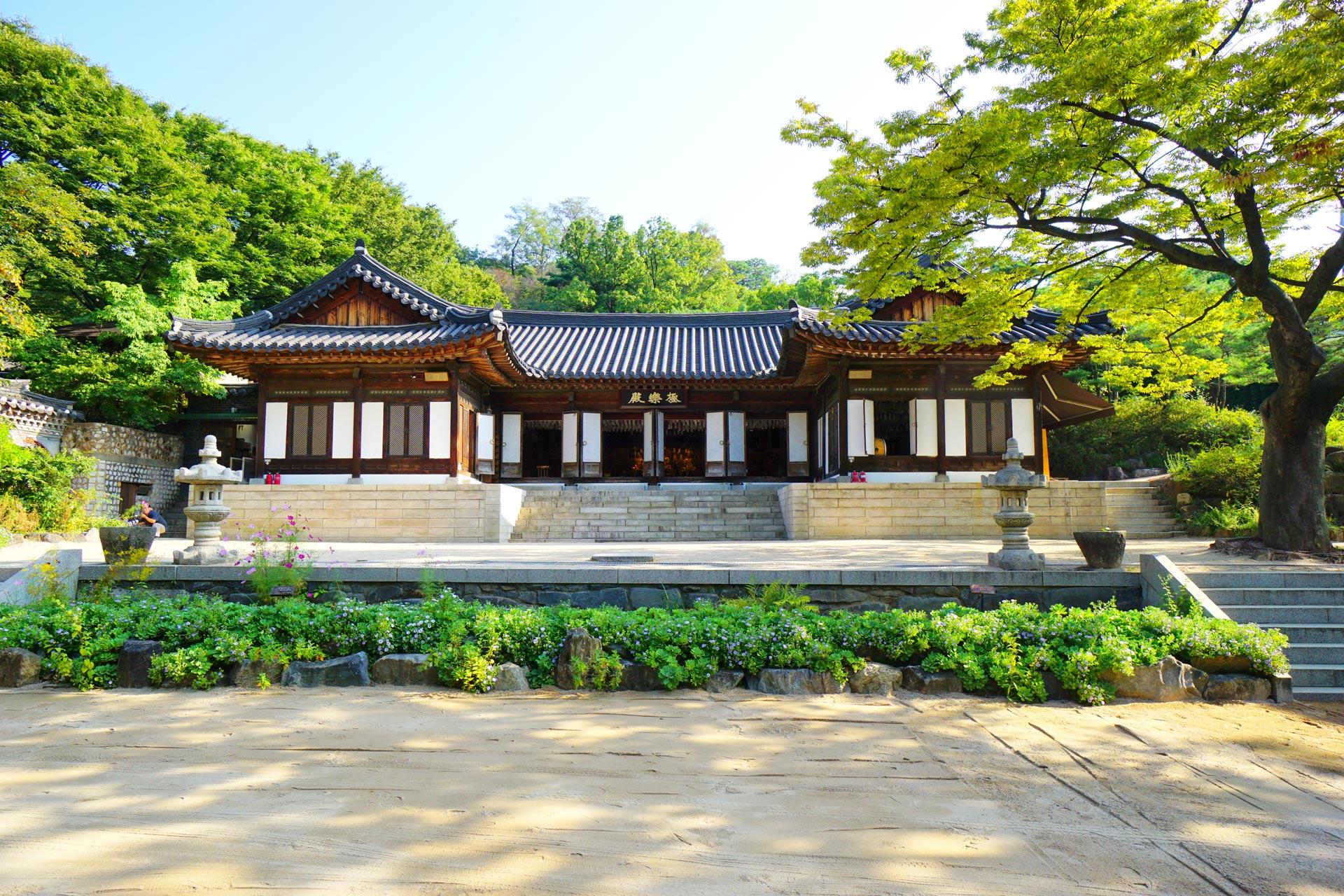 Das Hauptgebäude des Gilsangsa Tempels war ein einstiges Restaurant für Politiker und hochrankende Militärs.