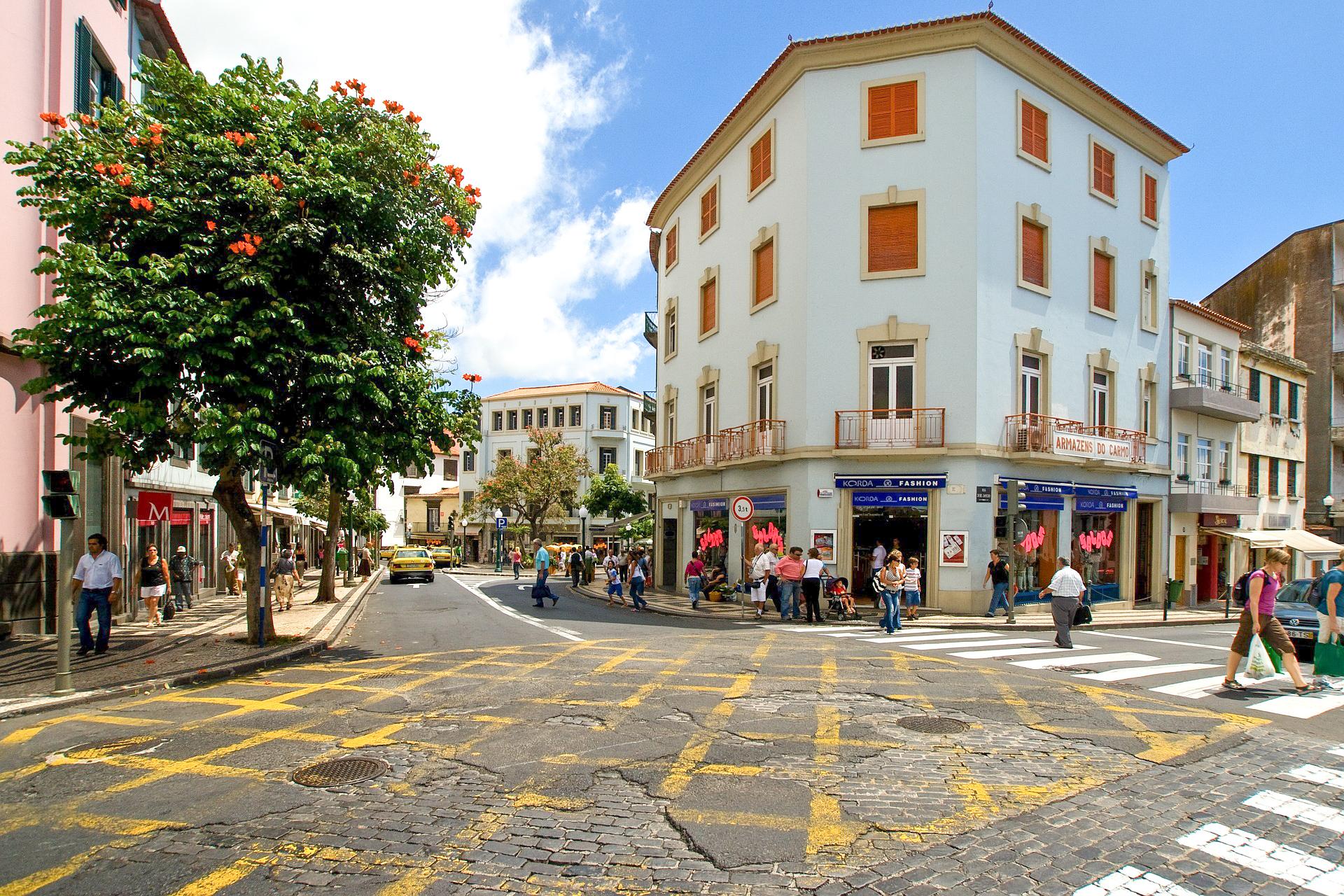 Kreuzung in Funchal, Madeira
