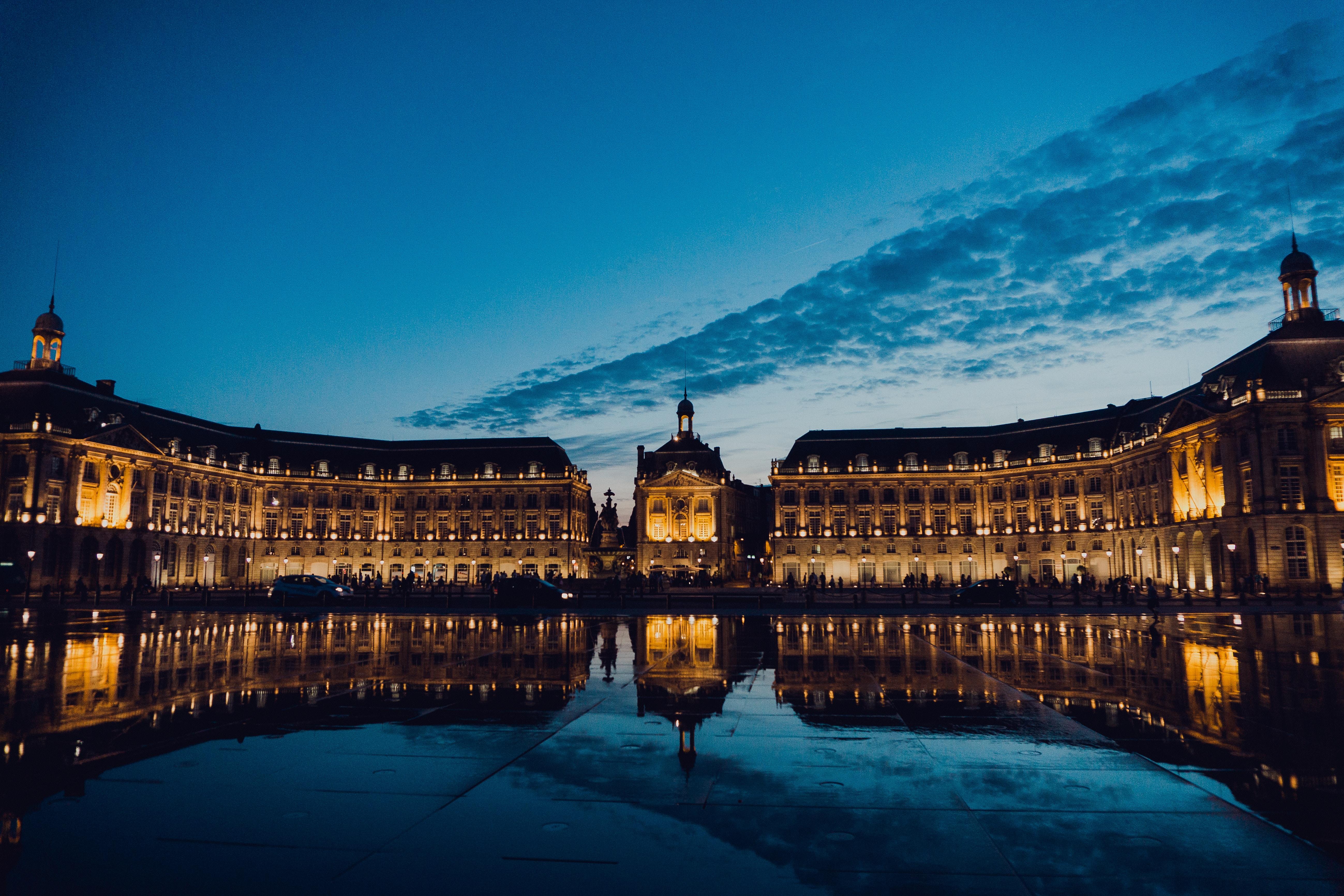 Ein Kurztrip in die Weinstadt Bordeaux bietet viele wunderschöne Ausflüge - so auch zum Water Mirror
