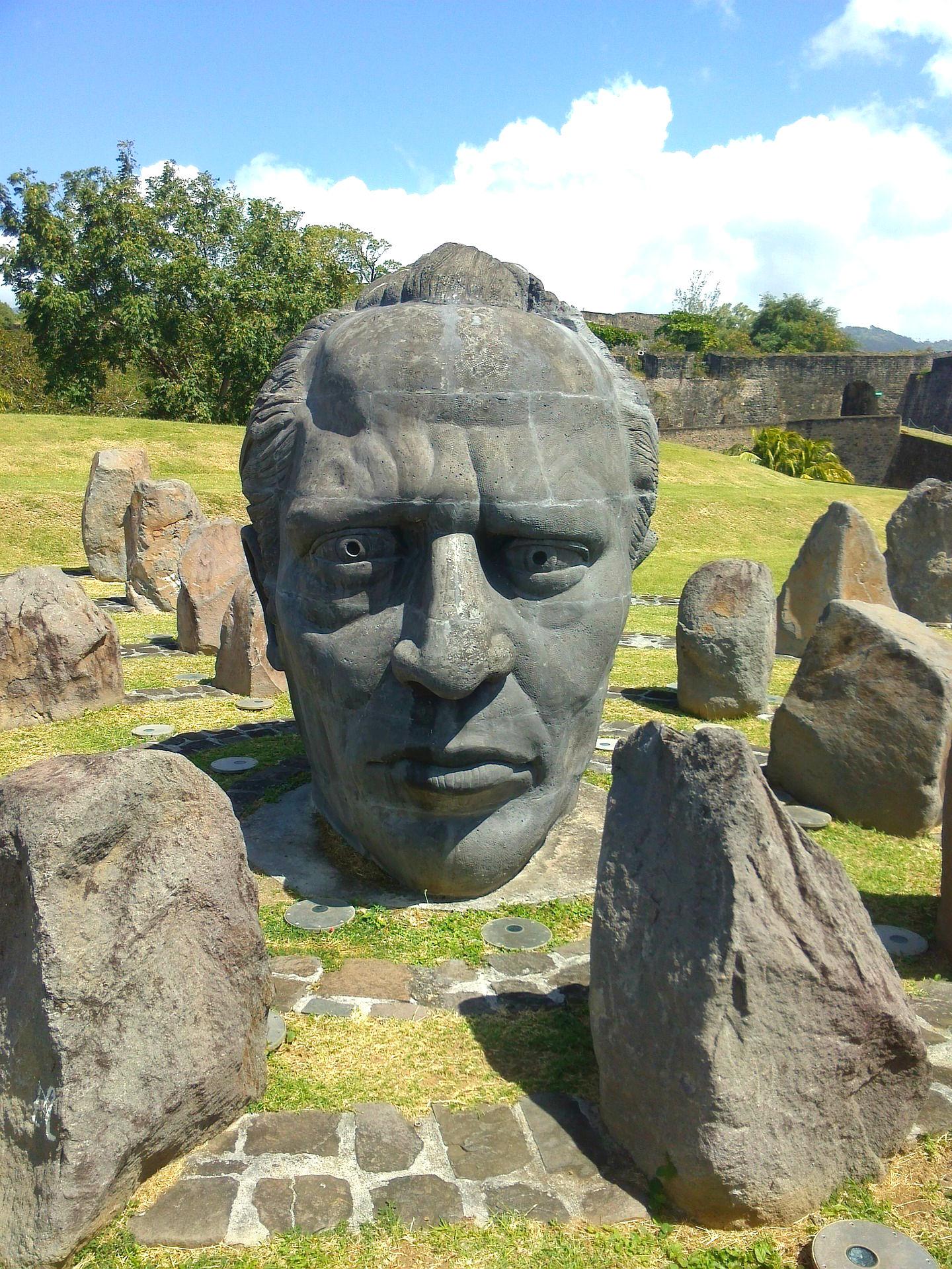 Die einzigartige Skulpturengruppe von Fort Delgres