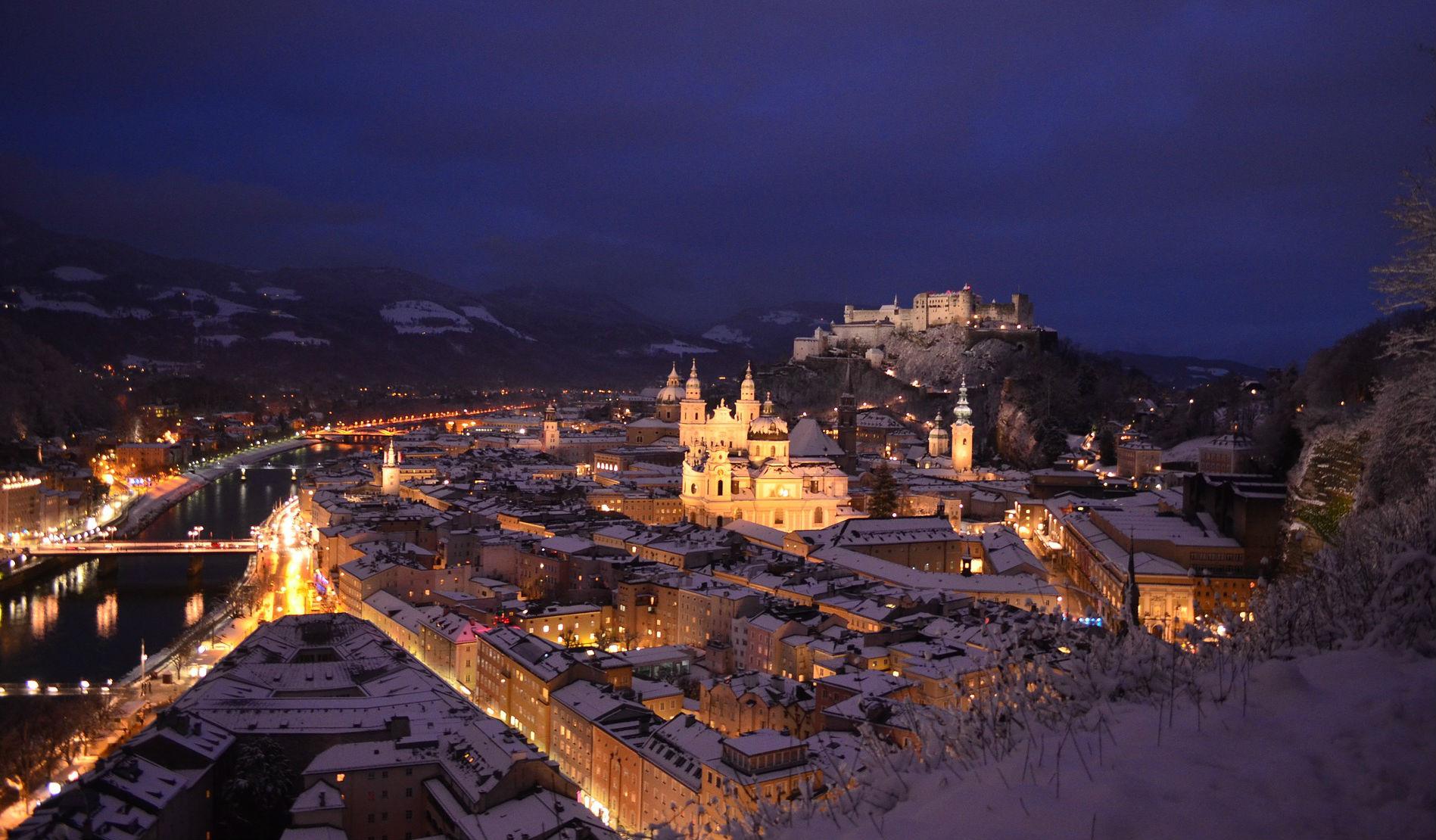 Das wunderschöne Salzburg bei Nacht