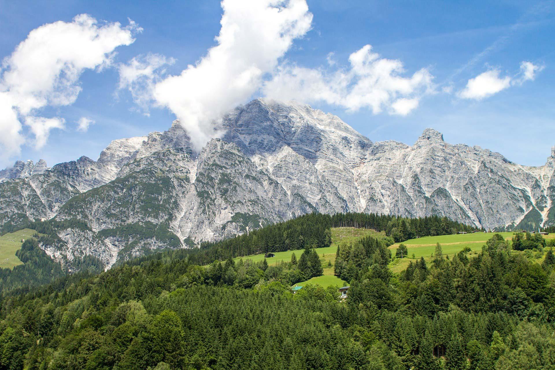 Auch das Salzburger Umland ist ein wahrer Augenschmaus - doch nichts ist schöner als ein leckeres Abendessen nach einem harten Wandertag.