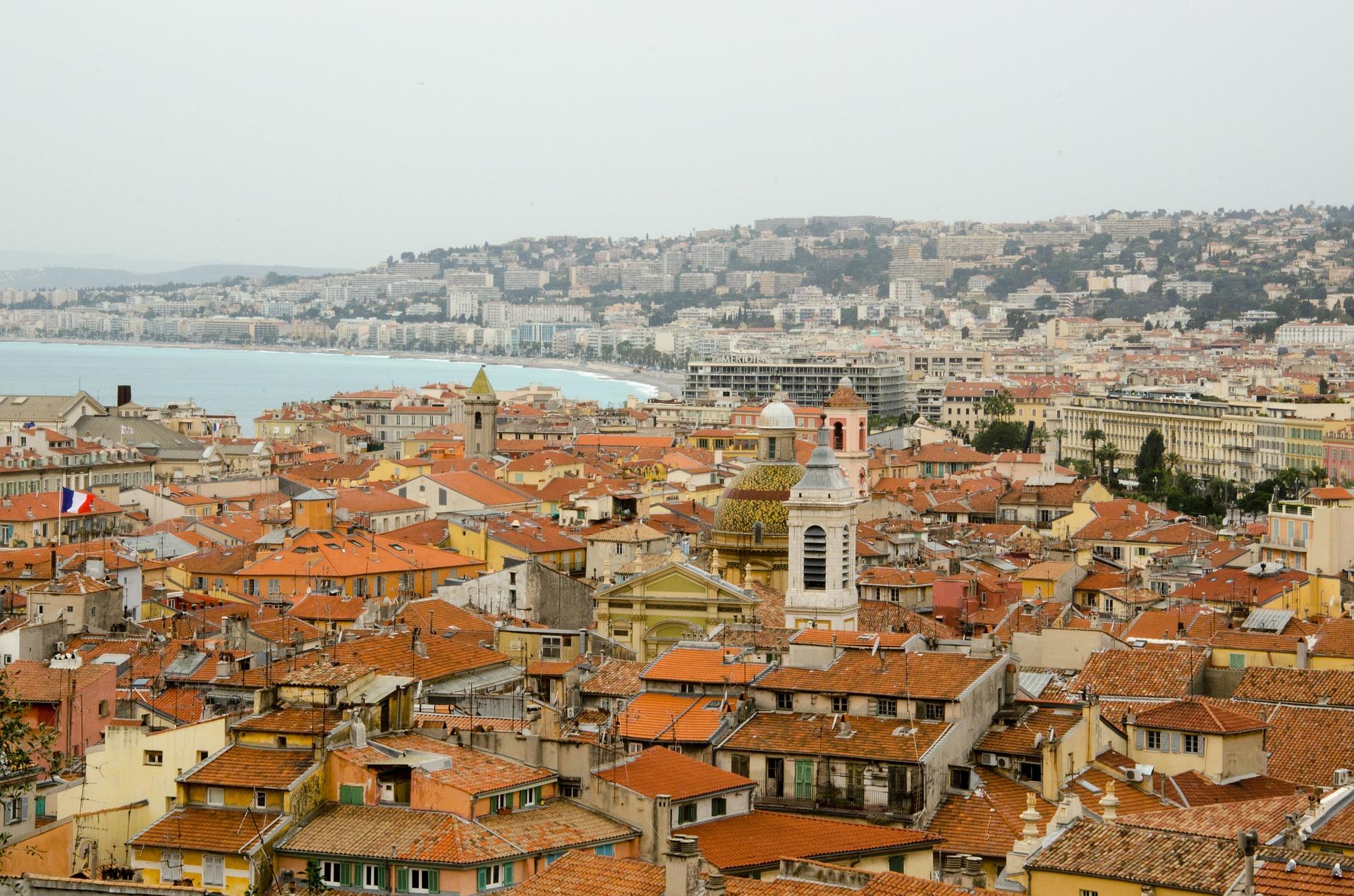 Dächer über Nizza