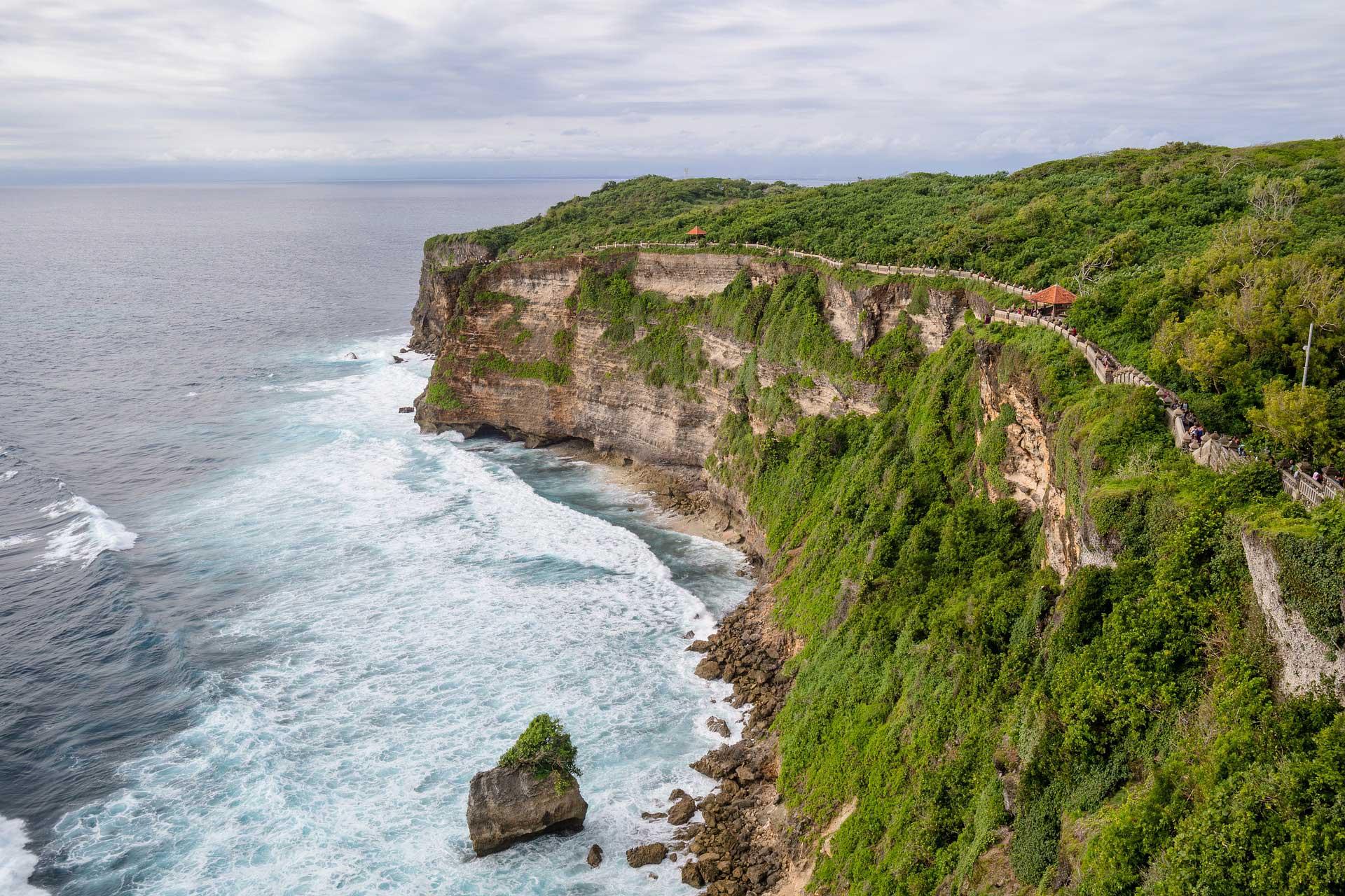 Wanderung an der Küste von Bali